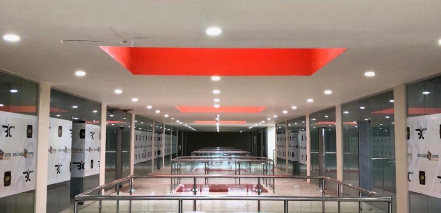 PLAZA BOULEVARD CENTER